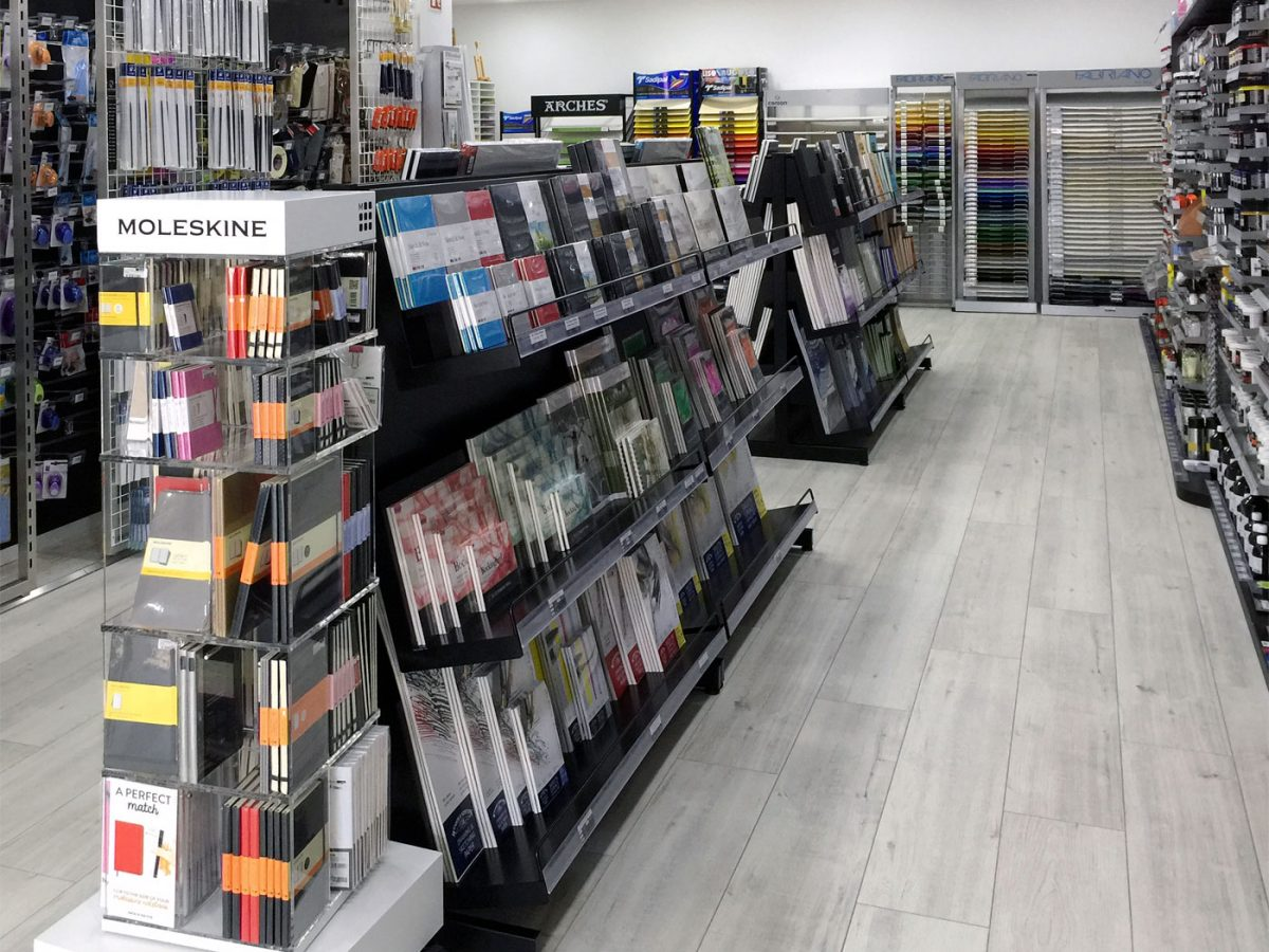 ponto-artes-expositores-loja